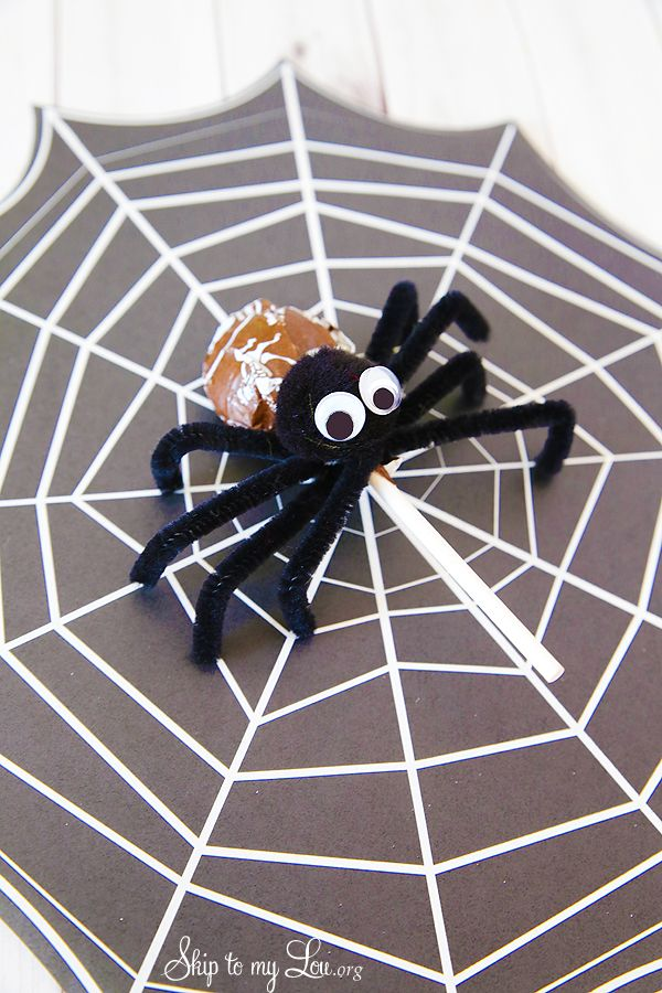 How To Make Tootsie Pop Spiders For Halloween Idea Party Halloween Www Skiptomylou Org Tootsie Pop Easy Halloween Crafts Halloween Crafts For Kids