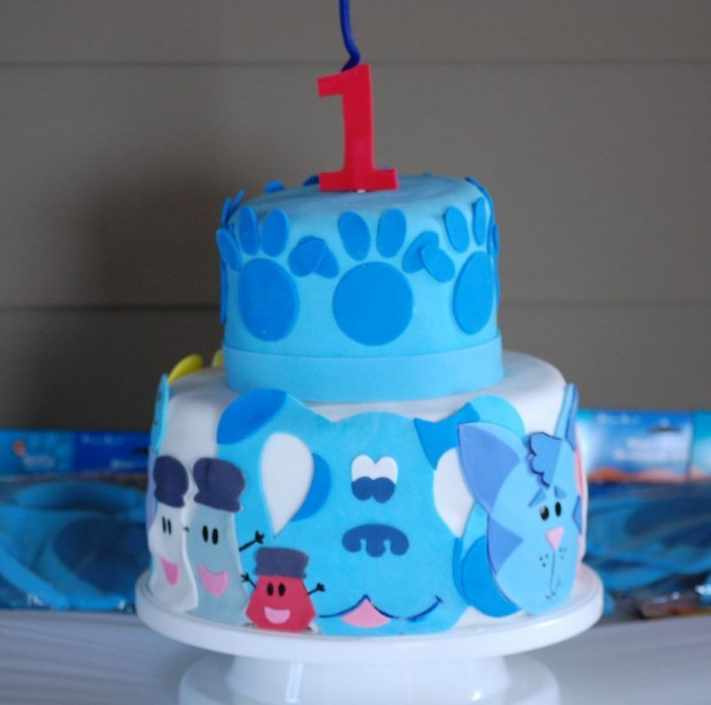 Blues Clues cake! Jon is going to have to have Blues Clues theme for the big 2!