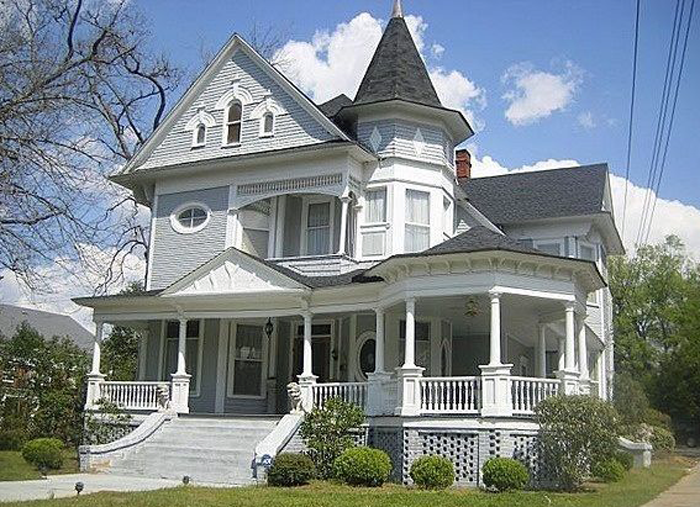 The Main Elements Of The Queen Anne Victorian Home Style Modern Victorian Homes Victorian Homes Exterior Old Victorian Homes