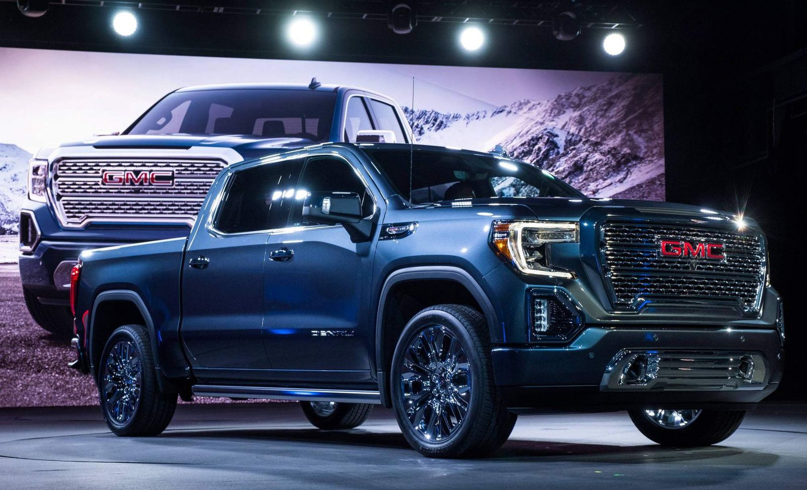All New 2019 Gmc Sierra Is 360 Lb Lighter Debuts Carbon Fiber Bed In 2020 Gmc Sierra Denali Gmc Trucks Gmc Vehicles