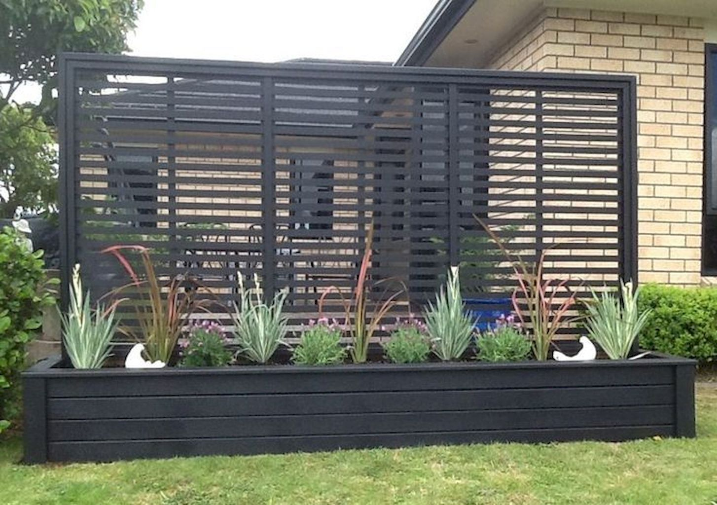 Gorgeous 57 Beautiful Yet Functional Privacy Fence Planter Boxes Ideas Decoration Fence Outdoor Privacy Backyard Outdoor Privacy Backyard Patio