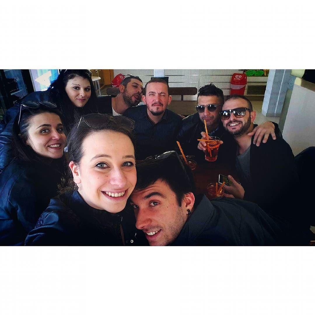 A Sen mi è ti! Mi al bev un Campari ti?   #Campari #asenmieti #Forlimpopoli #totalblack #pesce #aperitivo #viserba #rimini #italia #italy #emiliaromagna #mare #sea #sun #sole #bellegiornate #minigolf #hovinto #vivame #amici #Friend by ges8894