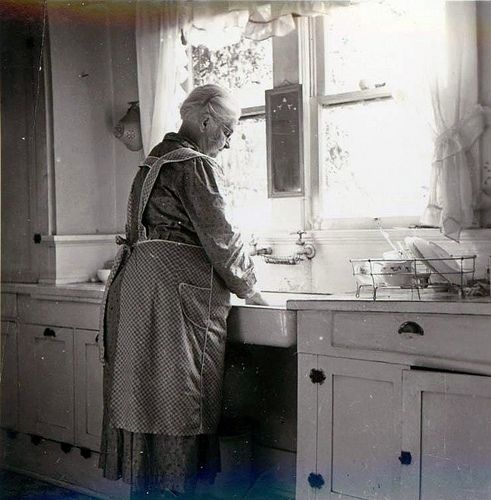 Wow, looks just like my Grandmother's kitchen in the country-Brings back so many wonderful memories.
