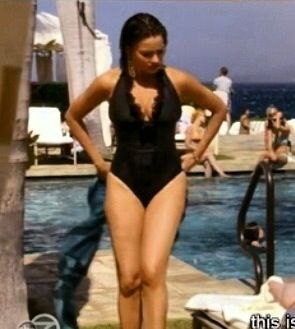 Sofia As And In Vergara Modern This FamilyLove Swimsuit Gloria jSzLVqGUMp