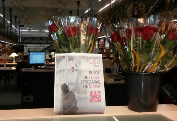 Ja tenim les roses a punt! Us esperem a les 12 a la #biblioteca #busca1llibretroba1rosa #SantJordi2014 @BarcelonaTech pic.twitter.com/SdiW5uBeEC