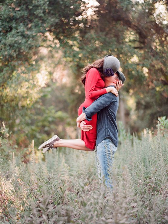 http://www.kissthegroom.com/2010/10/its-today/