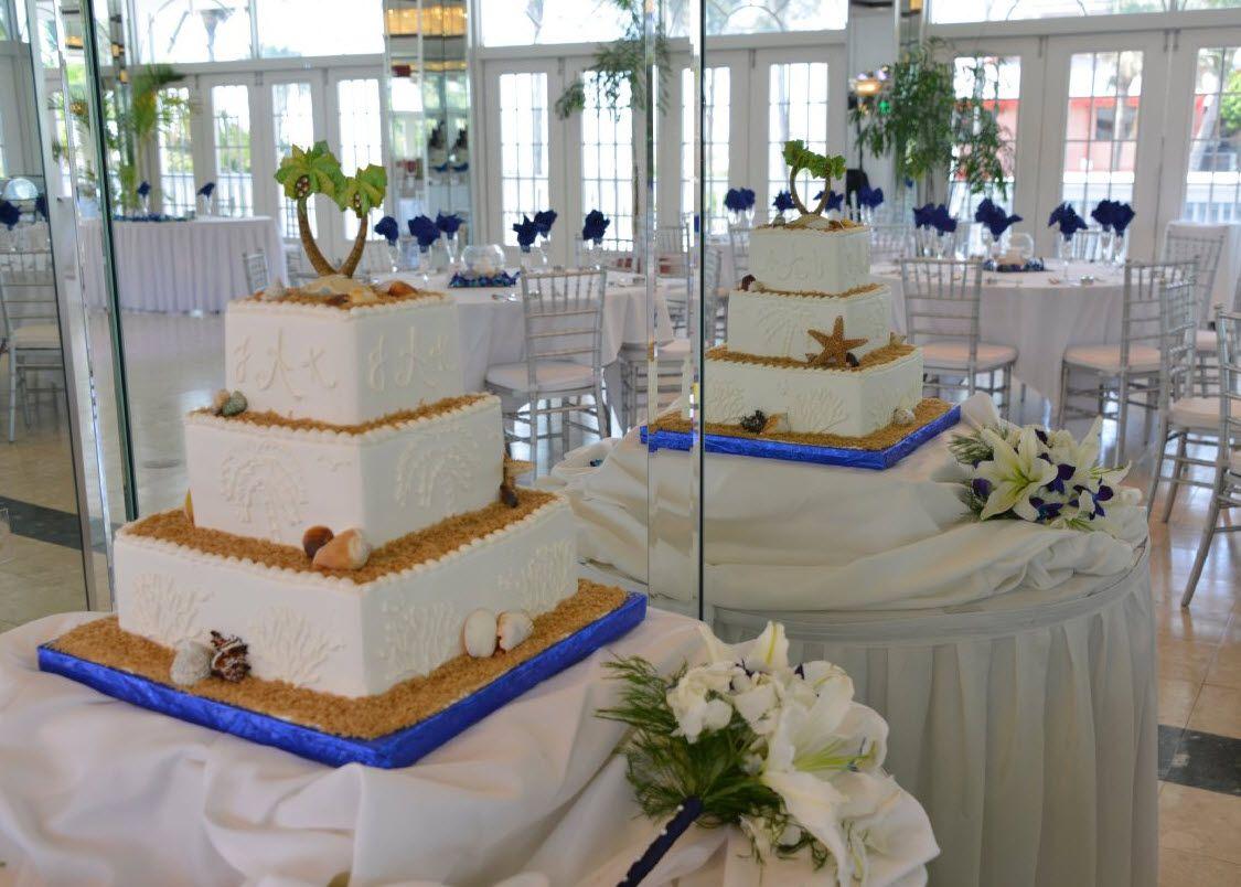 Palm Tree Beach Style Wedding cake. Grand Plaza Resort. St