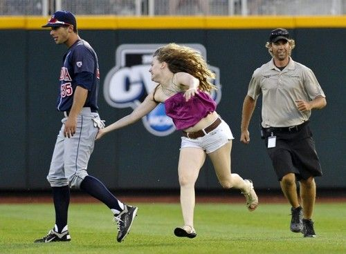 If you're going to run out on the field make it worth it. This girl is my hero hahahahahahahahahahaha