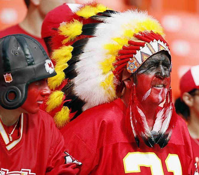 KC Chief fans | Kc chiefs, Kansas city chiefs football, Chiefs football