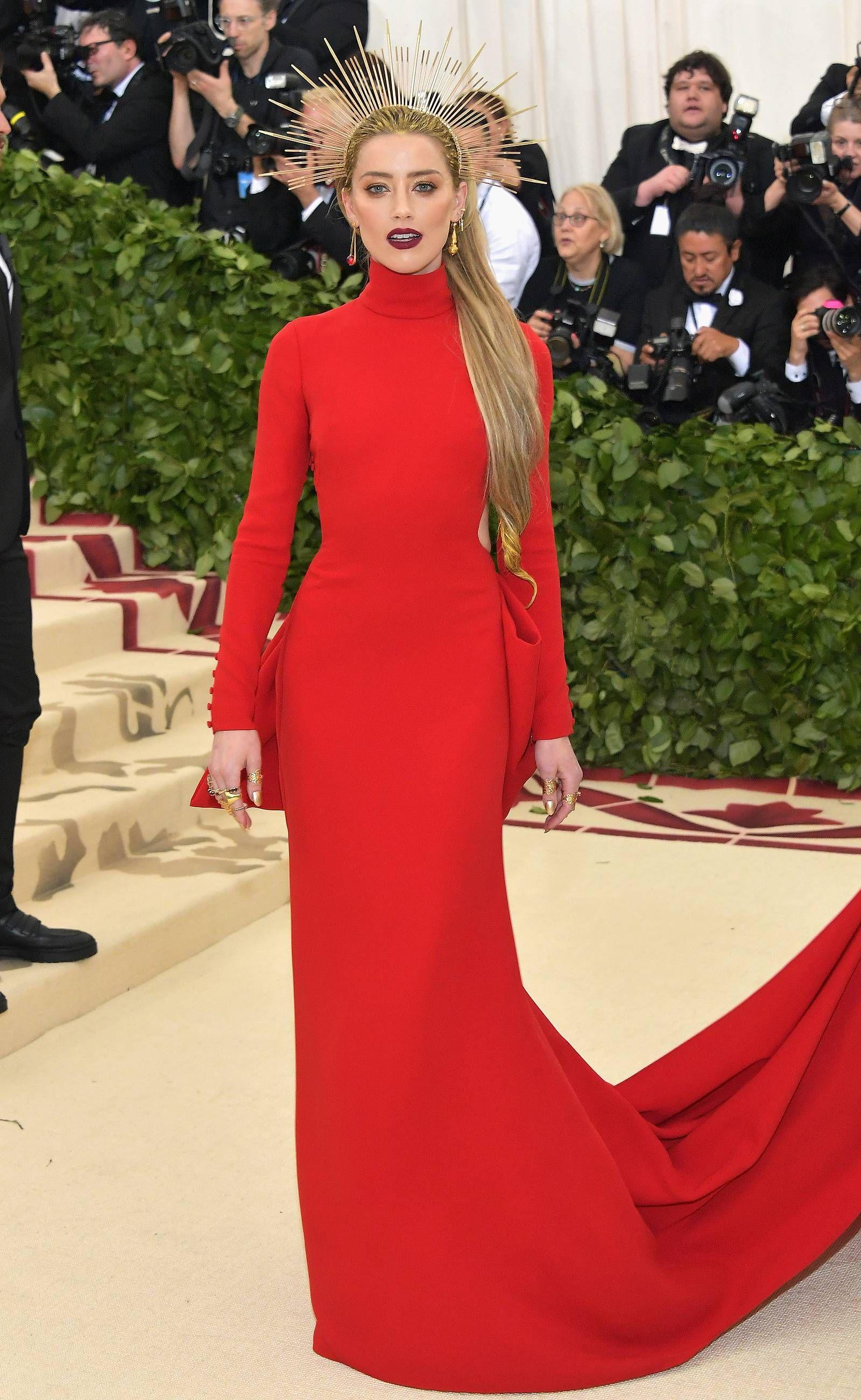 Tesla Ceo Elon Musk Is Dating Singer Grimes Months After Splitting From Amber Heard See Their Met Gala Debut Met Gala Looks Celebrity Dresses Red Carpet Nice Dresses