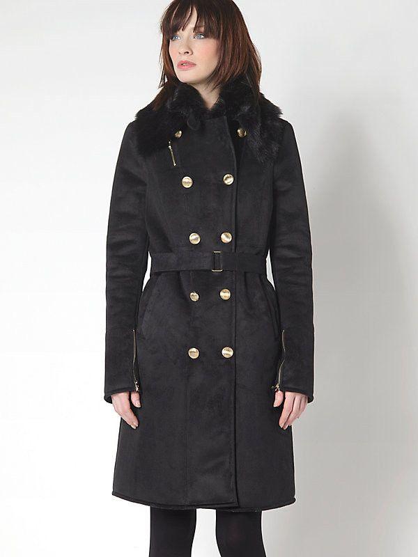 Cappotto Patrizia Pepe in ecomontone scamosciato, collezione FW2015, chiusura con bottoni in metallo. Disponibile nelle taglie 40, 42 e 44. Variante colore Nero