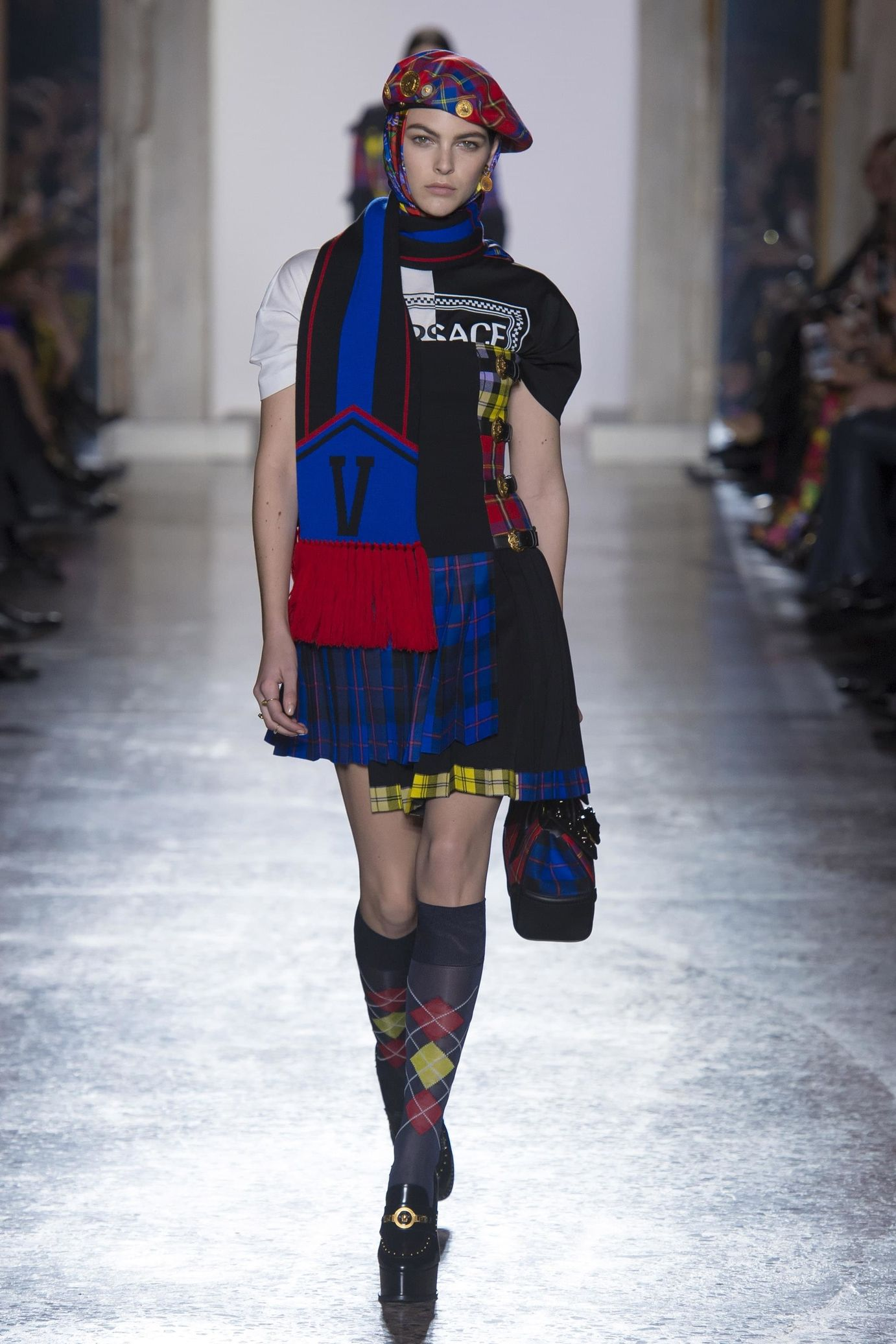 124b0519b26 Versace Ready-to-wear Fall Winter 2018-2019 READY-TO-WEAR Fashion Show