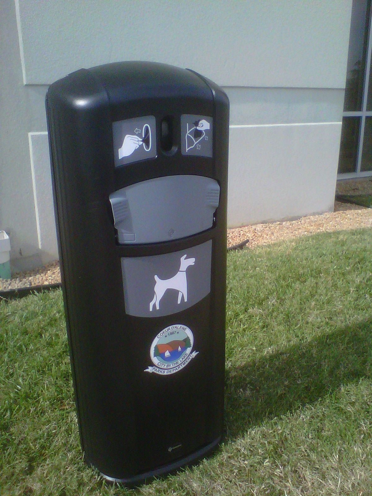 Retriever City™ 9 Gallon Pet Waste Station Dog waste