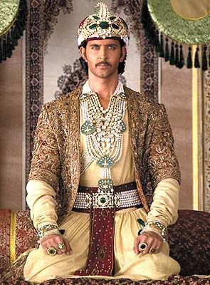 Hrithik Roshan as Akbar Can't help but love a man dripping in pearls and  emeralds | Jodha akbar, Hrithik roshan, Movie costumes