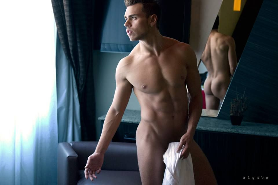 Jorge Volkova: Eros Latino. Algabo Fotos - Burbujas De Deseo