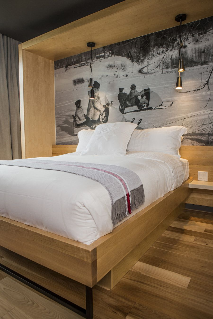 LEMAYMICHAUD | Design | Architecture | Interior Design | La Ferme | Hotel | Charlevoix | Le Massif | Hospitality | Room | Suite | Bed | Pillow | Print | Skidoo |