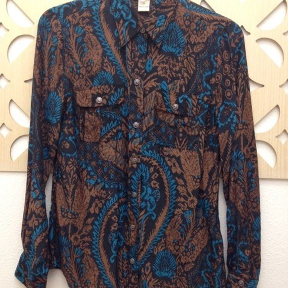 Lucky Brand silk collared paisley top A subdued turquoise and light & dark brown mix in color. Collared and button-down. Two buttons at sleeve closure. Only worn once! 100% silk. Hand wash in cold or dry clean. Extra button attached. Could also fit an xs. Lucky Brand Tops