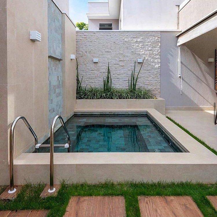"""Felipe Falcão on Instagram """"Amei essa piscina simples e"""