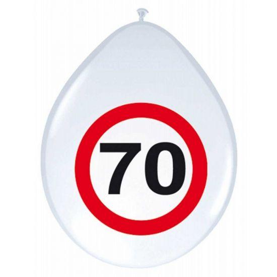Leuke versiering voor een 70ste verjaardag. 70 jaar ballonnen met stopbord 8 stuks. Witte ballonnen met daarop een rood verkeersbord met het getal 70. Per 8 stuks verpakt.