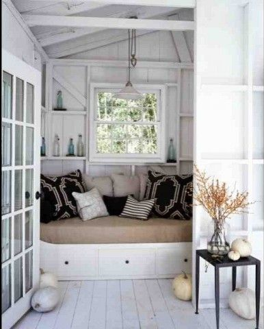 Striking pool house! POOLS n\u0027 ¢αвαиαѕ Pinterest Daybed, Cozy