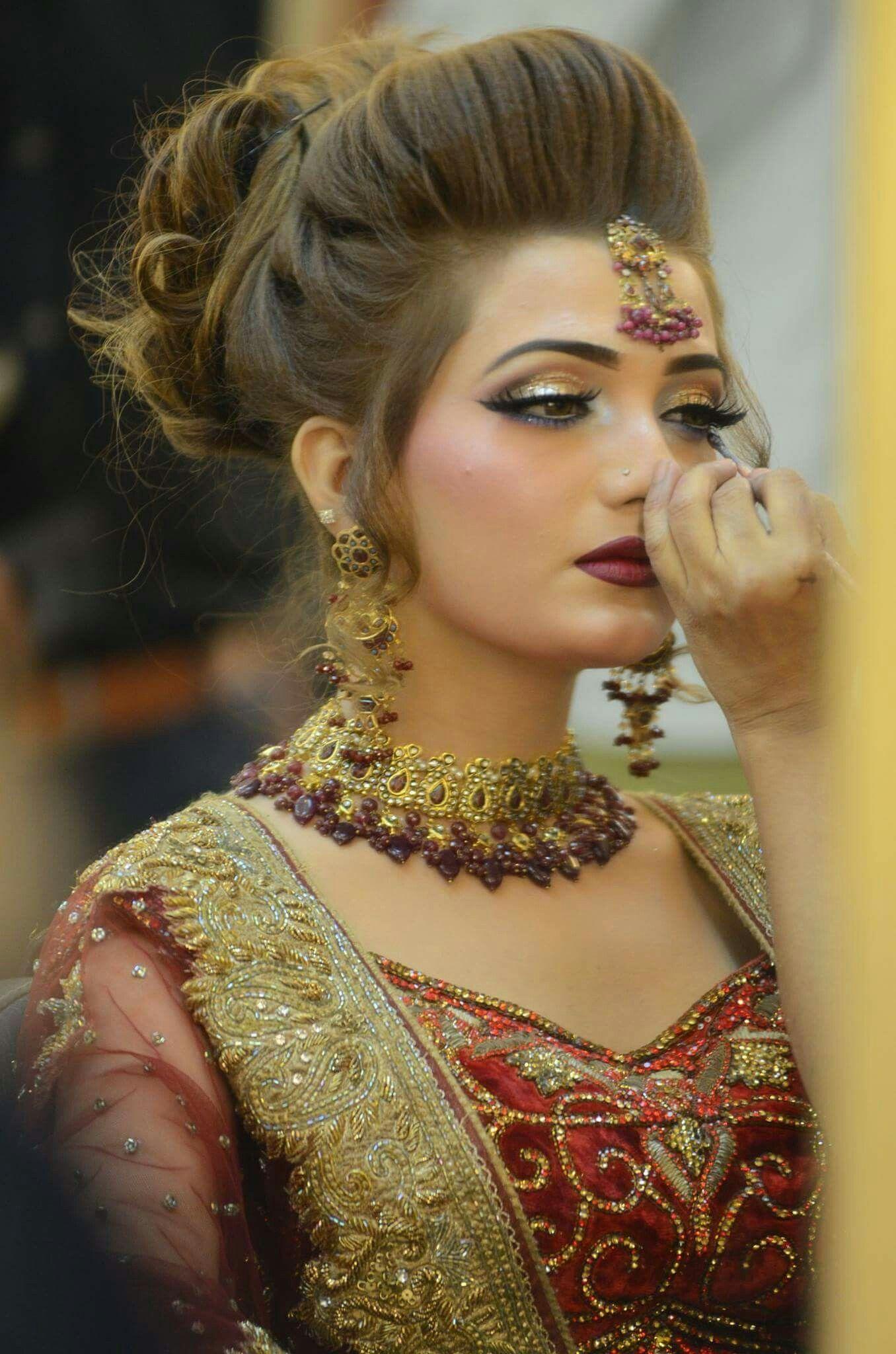 Pin By R E Creation On Gallery Bridal Hair Buns Bridal Hairstyle Indian Wedding Pakistani Bridal Makeup