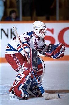 Swedish Ice Hockey Player Pelle Lindbergh Goalkeeper For The Flyers Picture Id83024655 680 1024 Philadelphia Flyers Hockey Hockey Goalie Flyers Hockey