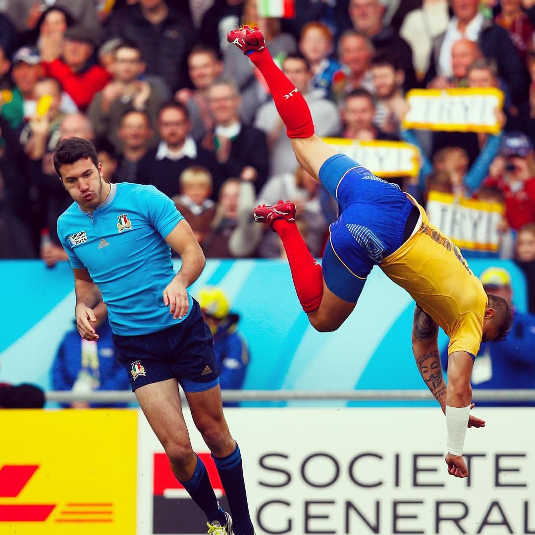 World Rugby On Instagram Acrobatics Italy Lead Romania 22 3 At Half Time But It S Been An Enthralling Opening 40 At Sandy World Rugby Rugby Rugby World Cup