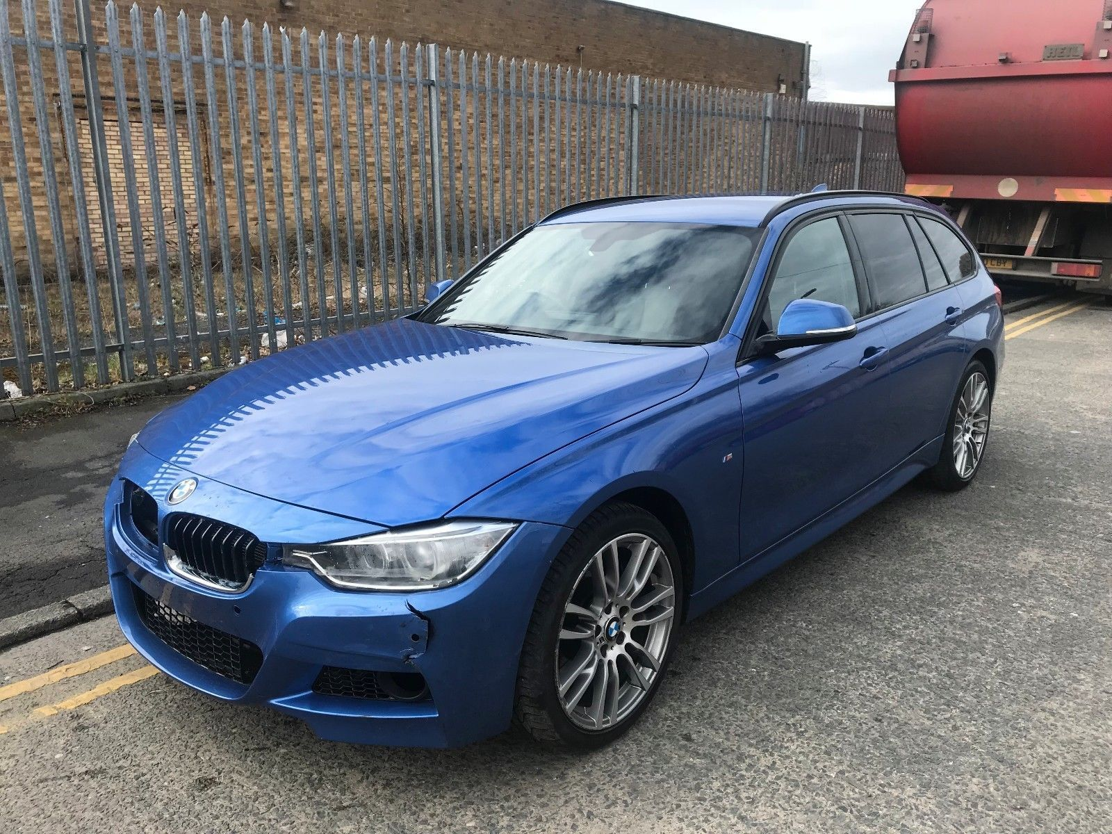 2013 bmw 330d m sport touring auto xdrive s s very light damaged