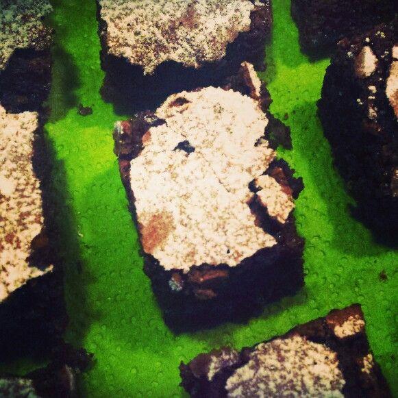 Quadrotti di cioccolato e mandorle