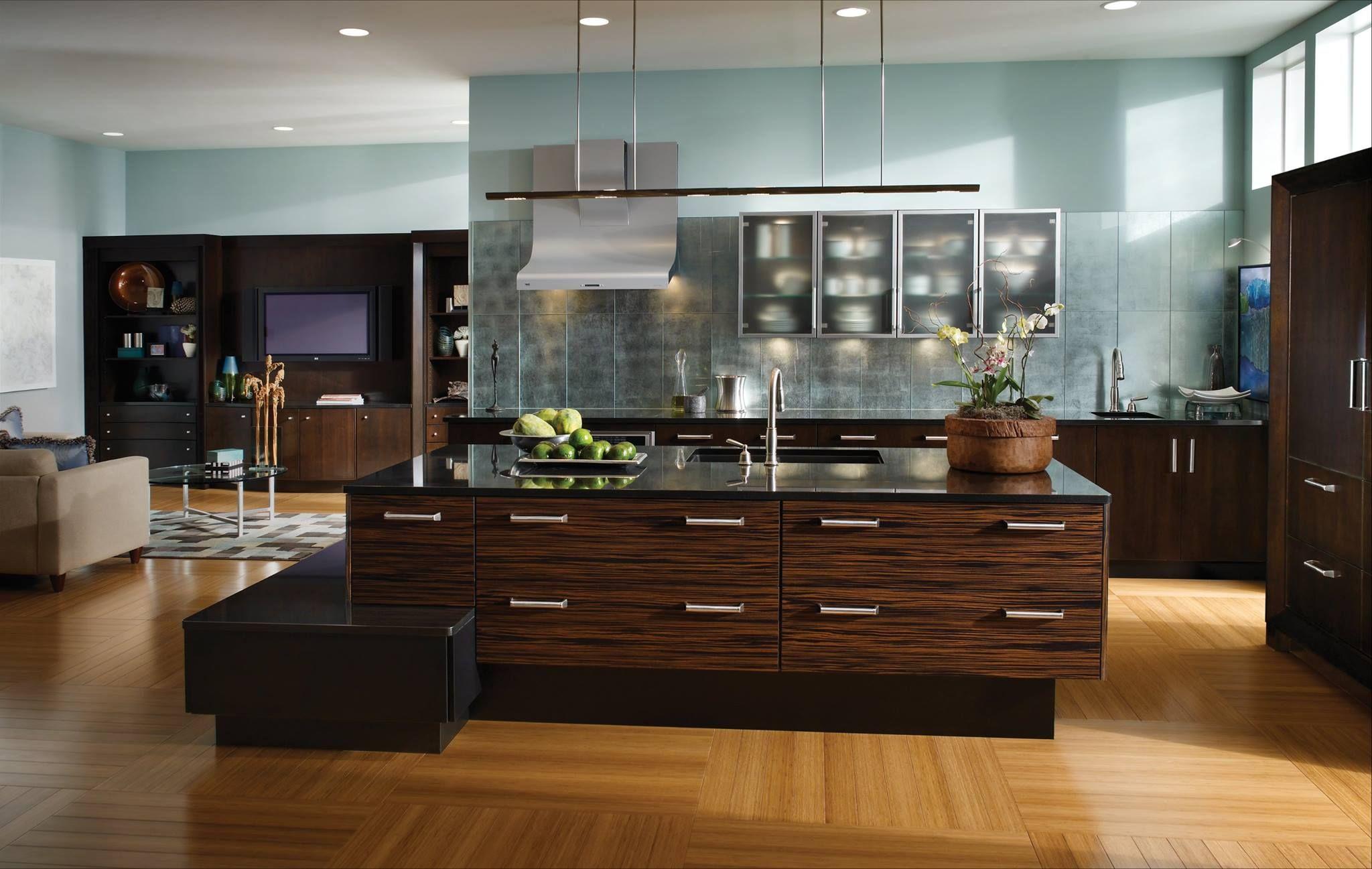 WoodMode Houston, Texas Kitchen and bath