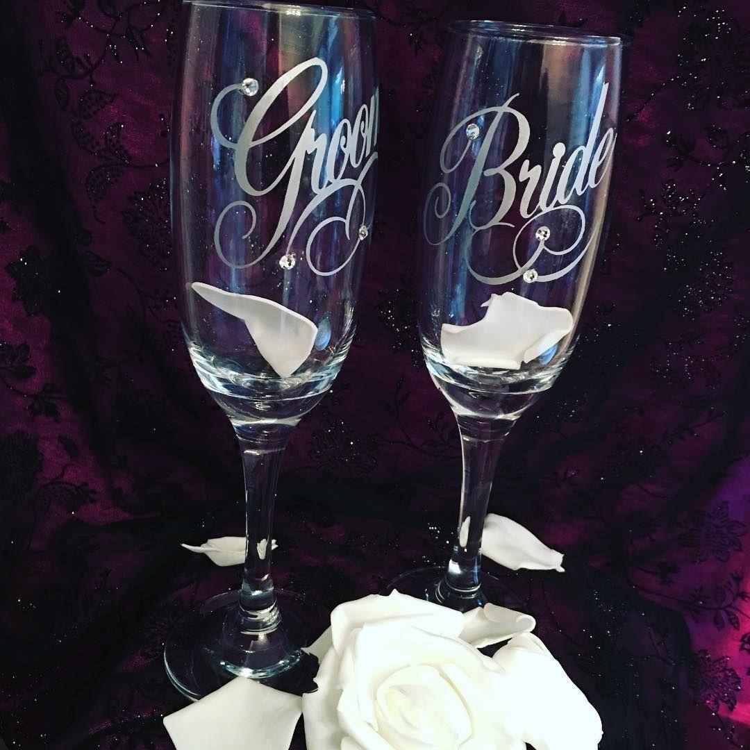 #brideandgroom #weddinggift #weddingtoast #congratulations #weddingtime #weddingprep #essex #chelmsford #handmade #swarovskicrystals http://gelinshop.com/ipost/1518860521284921902/?code=BUUE5jKjWou