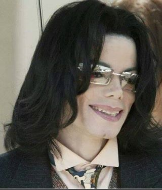 .♥ Michael Jackson ♥ - a new favorite, he looks so relaxed and happy here :)
