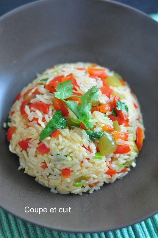 Riz au citron vert, coriandre et poivrons