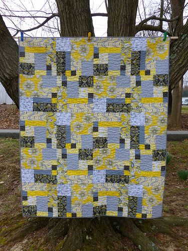QuiltsbyLisa for A Closer Look, Part 2 – Project QUILTING Challenge Hooray for Spring #projectquilting #pq #quilt