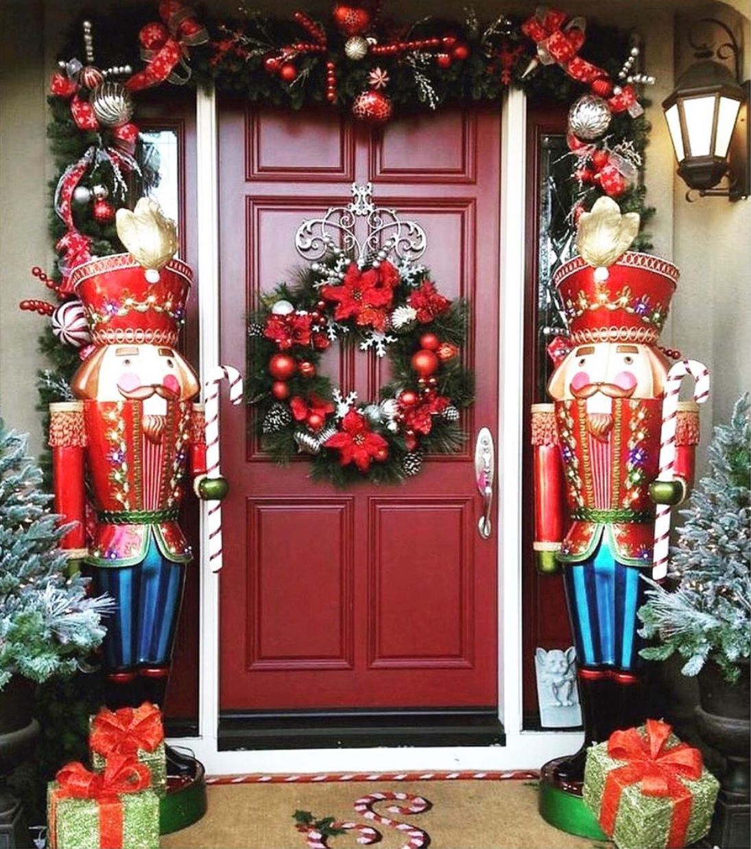 Pin by Chris Driscoll on Christmas Time! | Christmas door ...