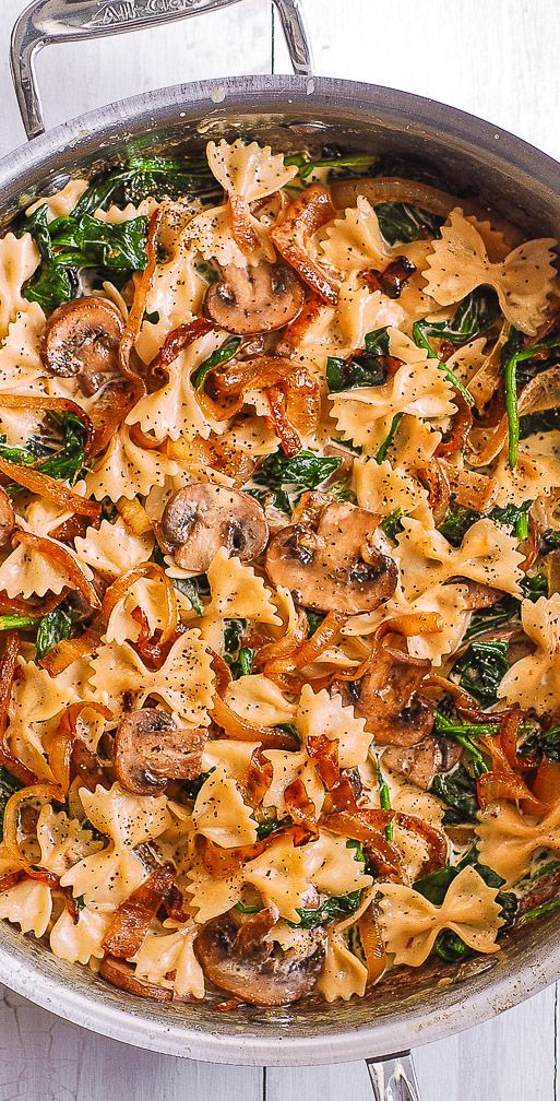 Bow Tie Pasta with Spinach, Mushrooms, and Caramelized Onions