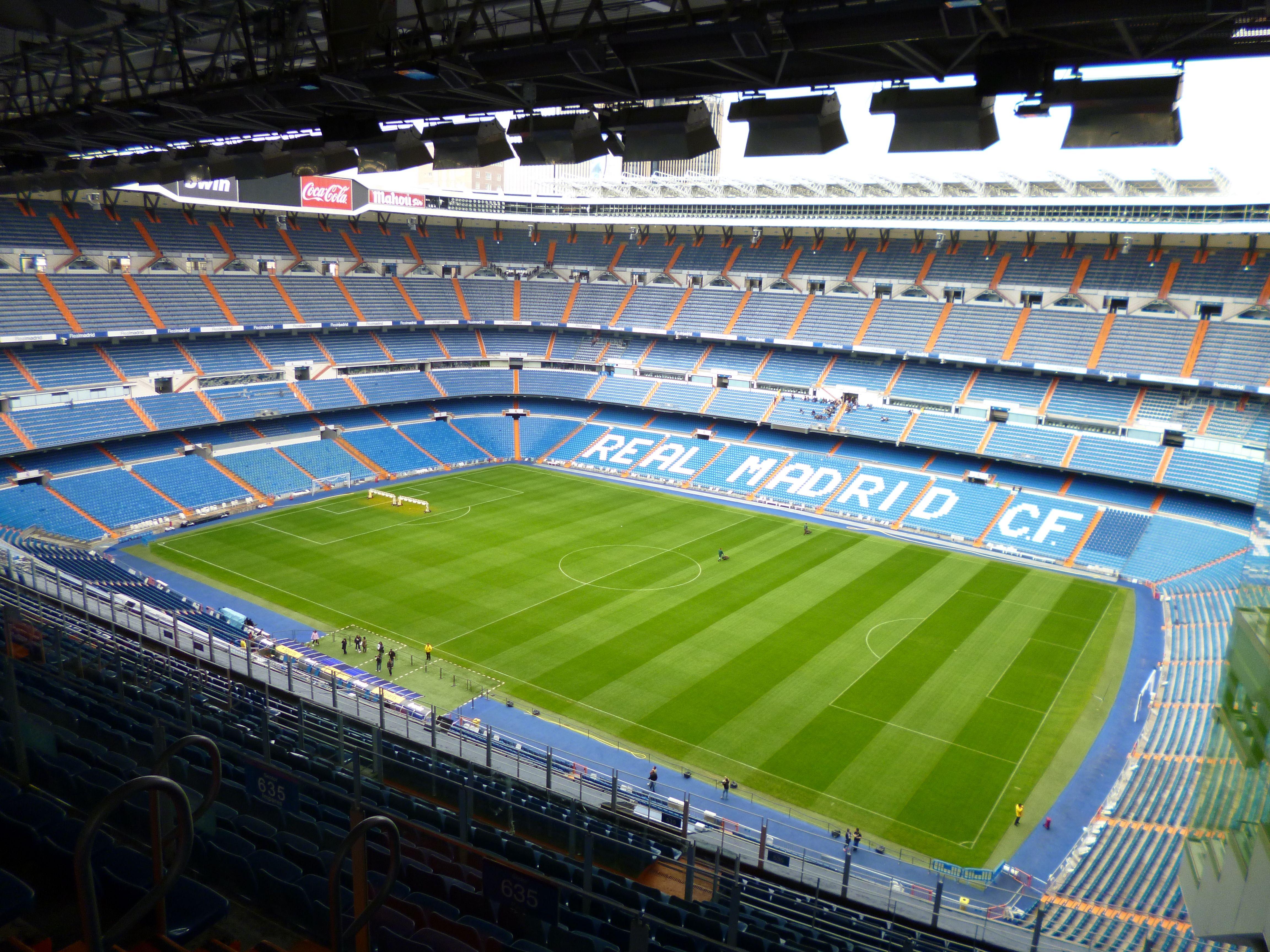 Estadio Santiago Bernabéu; Real Madrid -- Madrid.