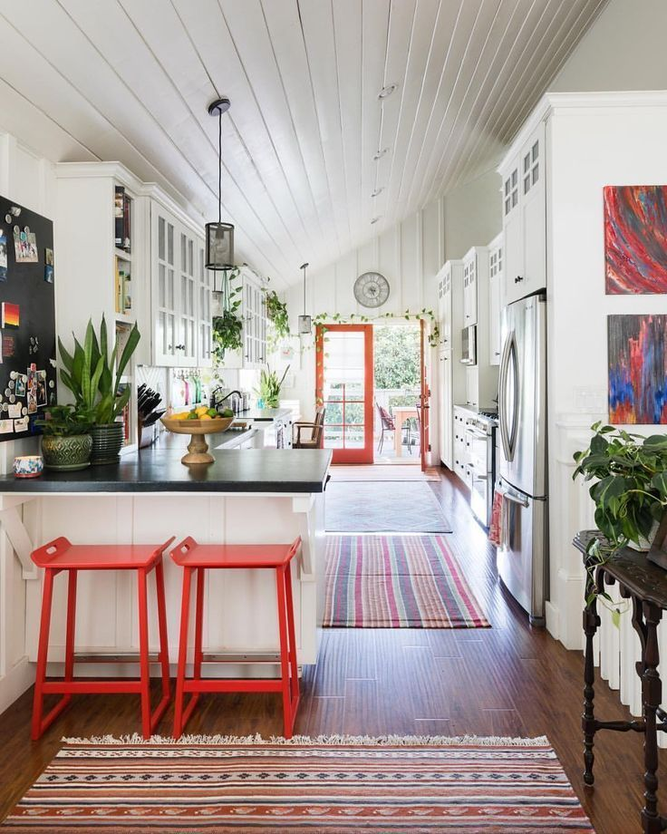 Ich liebe die Wandfarbe und das gemütliche Eckgefühl. Die Lackfarbe ist F & B … – Home Decor