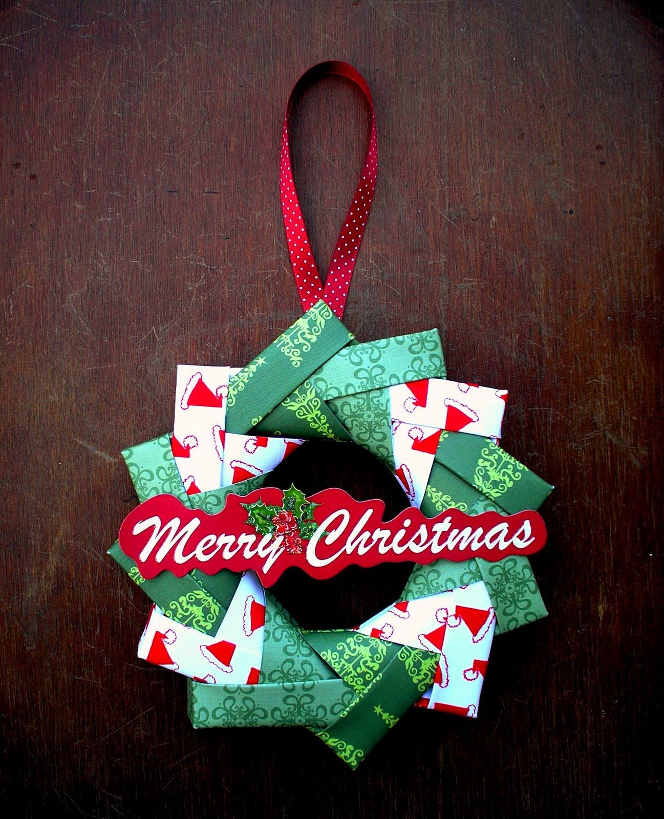 Christmas origami wreath - My Origami Wreath Is Made Up Of 12 Interlocking Units