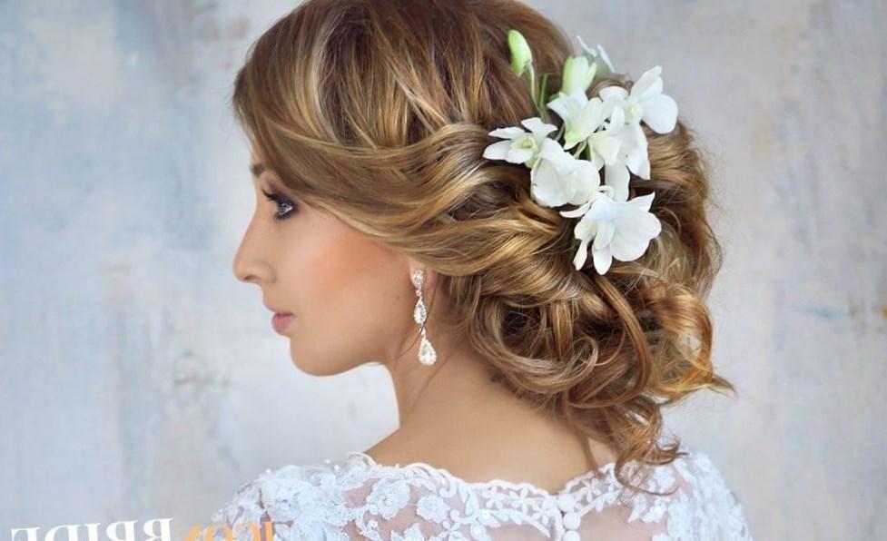 Свадебные прически для невесты с платьем