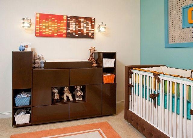 babyzimmer junge deko holz wikeltisch stauraum regale blaue