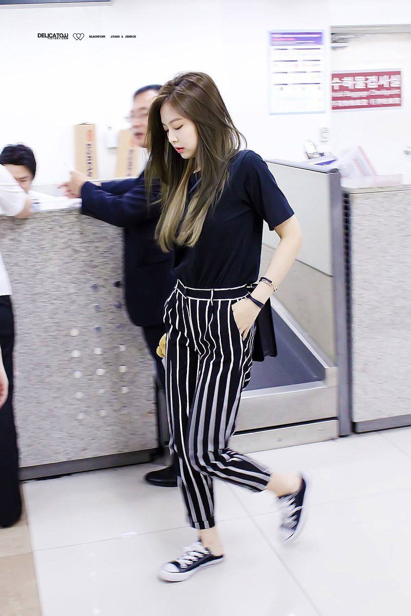 ce9f84aa6e172a (27) Twitter Korean Fashion Trends