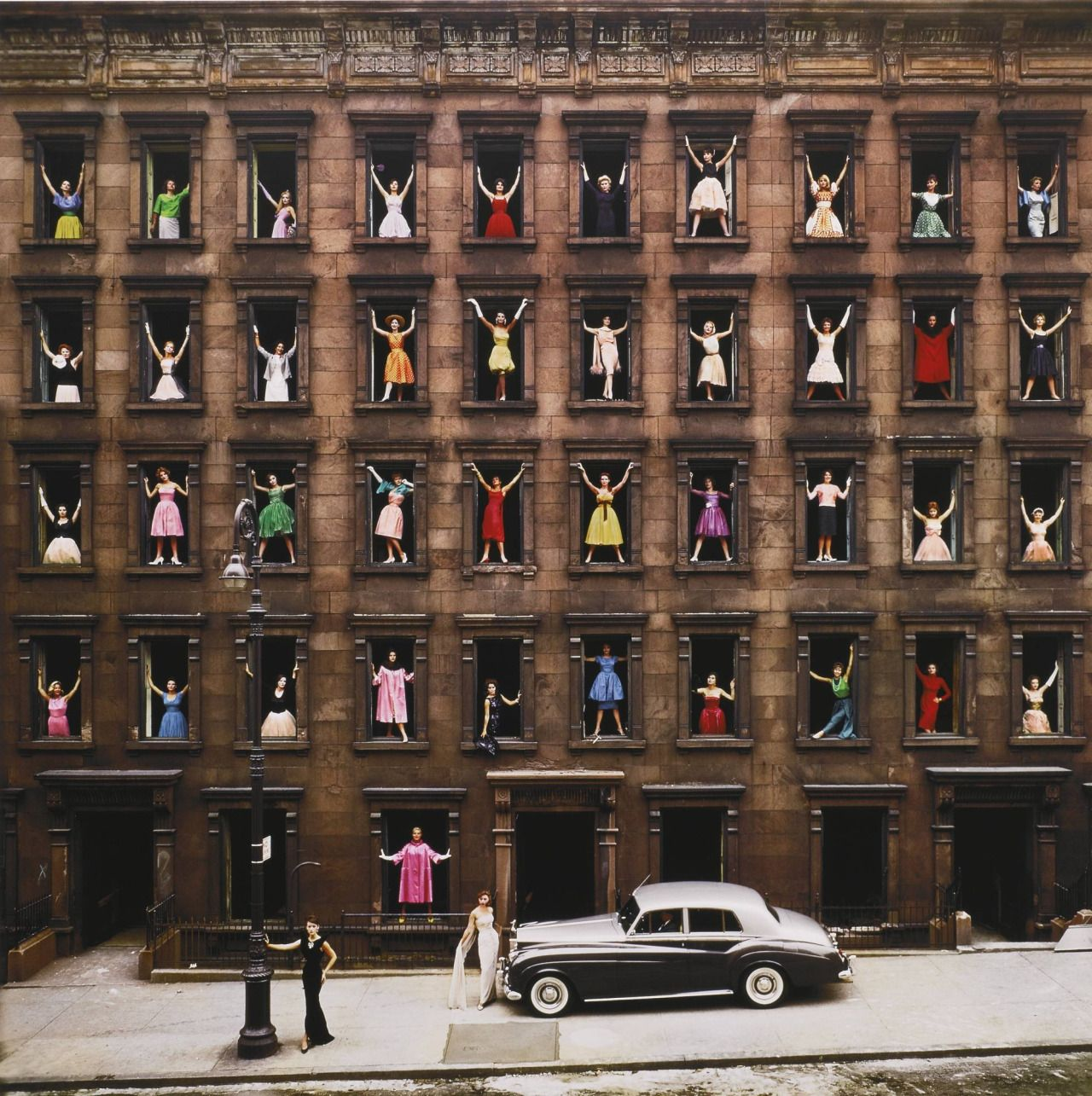 Ormond Gigli, Girls in the Windows, New York City, 1960 via