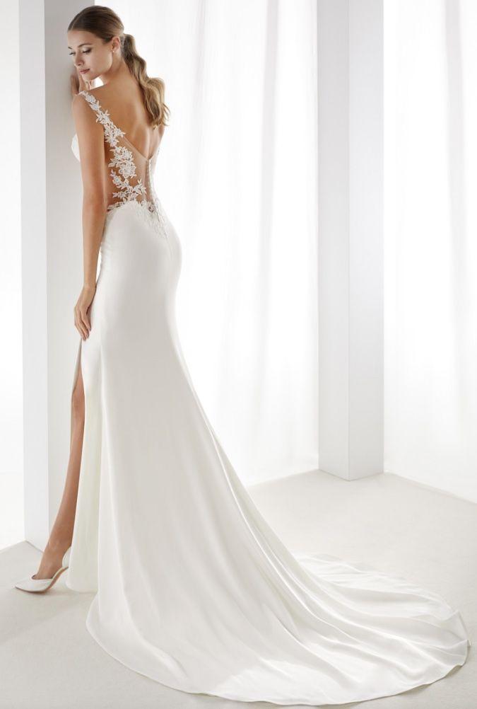 Courtesy of Nicole Spose wedding dresses; www.nicolespose.it ...