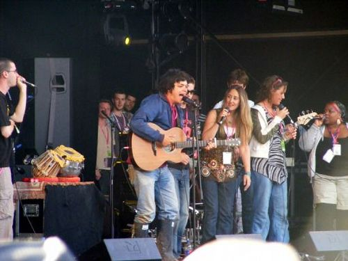 Getting up on stage to perform while wearing a pair of wellies seems to be getting more and more popular.