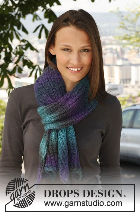 """Knitted DROPS scarf in English rib in """"Delight"""". ~ DROPS Design"""