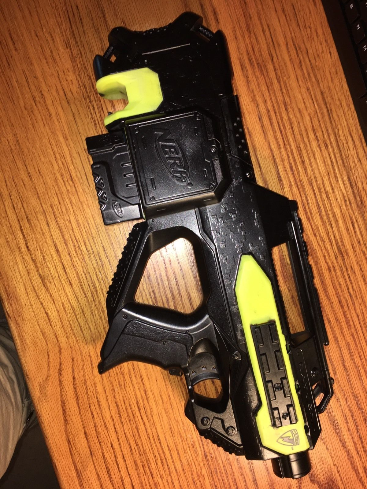 nerf rayven singed by lord drac worker wheels mag darts included