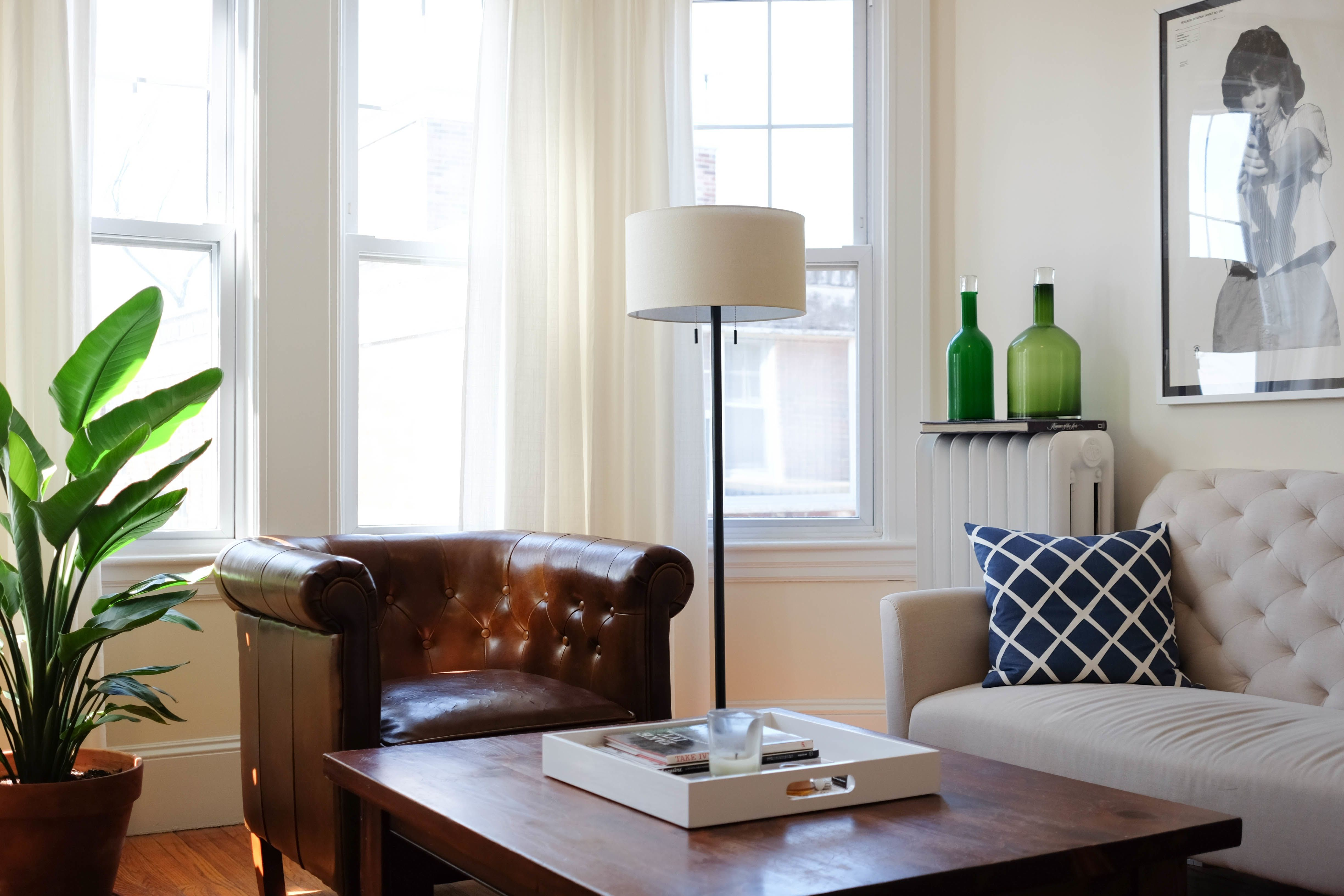 Well-Traveled Style in a Classic Boston Apartment | Apartments, Bar ...