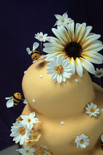 Detail of sugar flowers and bumblebees