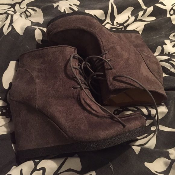 Nine West booty Gray wedge tie up booty Nine West Shoes Ankle Boots & Booties